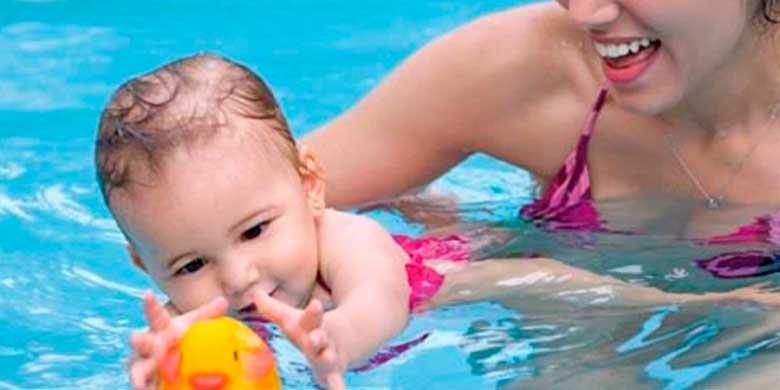 Escuela de natación para bebés y matronatación en Alcalá de Henares